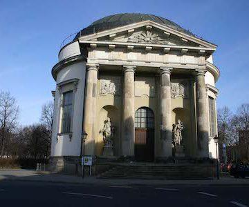Potsdam_Franzoesische_Kirche_1600_450x300.jpg